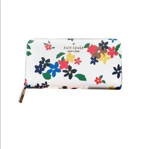 Kate Spade Staci Sailing Floral Continental Wallet